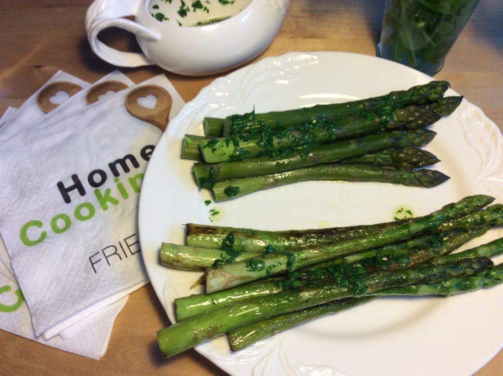 Zubereitung Grüner Spargel Kochen Braten Backen So Gehts
